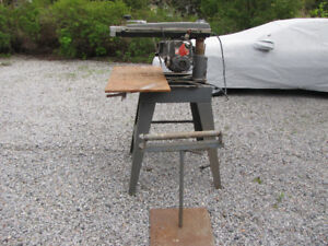 Black & Decker Commercial Duty Saw & Roller Stand