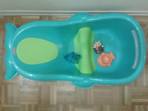 fisher price bath tub bathing changing city of toronto kijiji. Black Bedroom Furniture Sets. Home Design Ideas