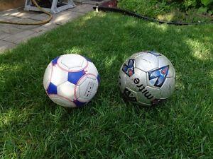 2 ballons de soccer