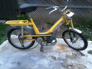 Antique Scooter/Moped - Gas Powered - 50cc