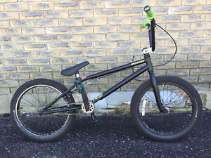 Specialized P20 Black and green Barely Used *PRICE REDUCED*