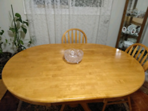 5 pc Dining Table. 60x42 in. 4 chairs included. $150