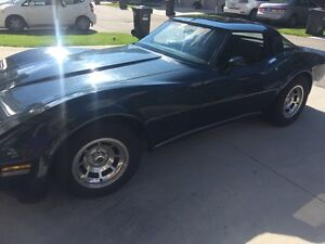 1980 Chevrolet Corvette T top Coupe (2 door)