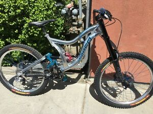 2009 Norco Team DH for Sale - frame size large