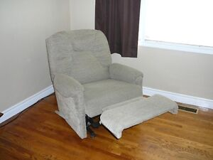 2 recliners for sale