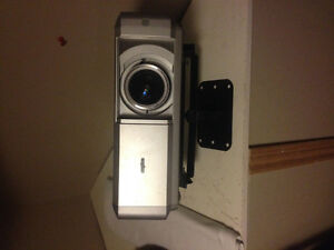 hd projector sanyo plv-z4 new 1200$ obo