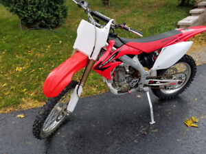 EXCELENT CONDITION CRF450R Mature rider lots upgrades!