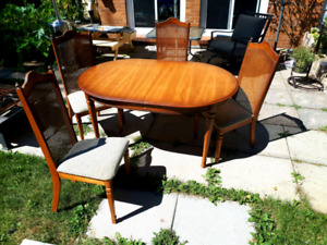 Wooden Dining Table Set with Chairs +Leaf
