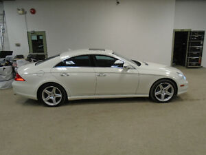 2009 MERCEDES CLS550 AMG PKG! WHITE ON RED! MINT! ONLY $19,900!