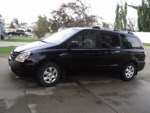 2008 Kia Sedona lx, one owner, low KMs