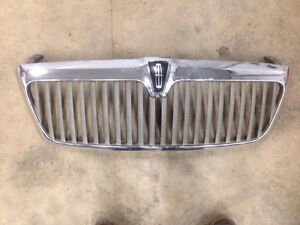 Grille for 03-06 Lincoln Navigator London Ontario image 2