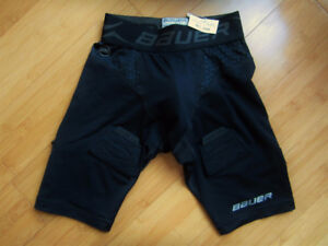 BAUER:  Compression Fit Shorts w/jock   Youth XS