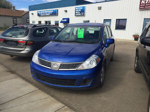2009 Nissan Versa ** Great on Fuel **