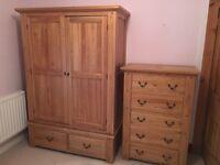 Beautiful 4 Piece Solid Oak Bedroom Furniture Suite
