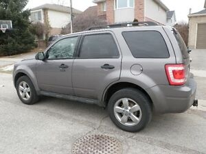 2010 Ford Escape xlt with safety and e-test