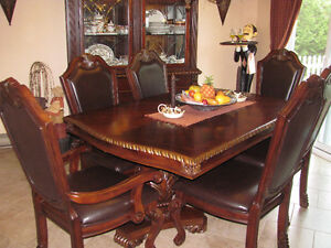 BEAUTIFUL WOODEN TABLE SET & CABINET