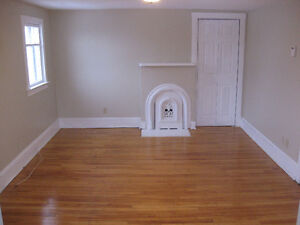 BEAUTIFUL BACHELOR/STUDIO APT FOR RENT GREAT LOCATION IN CH'TOWN