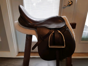 Cliff  Barnsby 17 inch All pupose/Hunt saddle