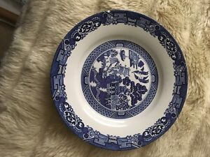 Willow patterned dish set Comox / Courtenay / Cumberland Comox Valley Area image 2
