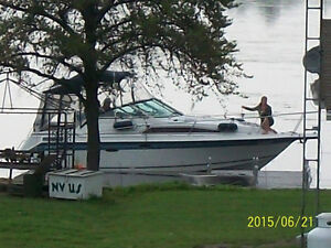 Cabin Cruiser Kawartha Lakes Peterborough Area image 2