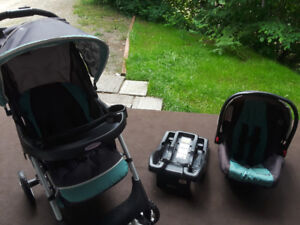 Moving Sale in Winlaw: Graco Click Connect Carseat/Base/Stroller