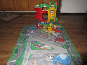 little people garage speedway and road mat.