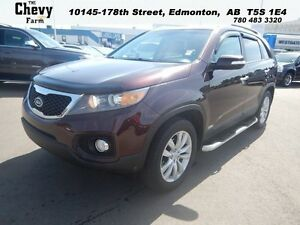 2011 Kia Sorento LX  4WD  Heated Power Seats - Air Conditioning