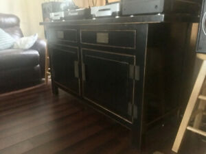 Beautiful  solid wood sideboard/buffet