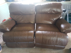 Leather 2 seater recycliner sofa