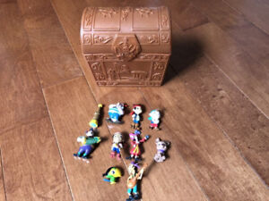FROM JAKE AND THE NEVERLAND PIRATES, TREASURE CHEST AND FIGURES