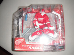 6 figurines red wing detroit de mcfarlane....prix varier.