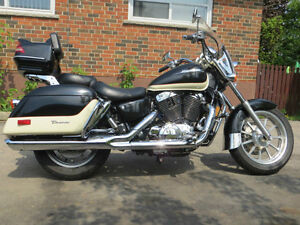 Looking for a vt1100 tourer exhaust and Hard bags London Ontario image 1