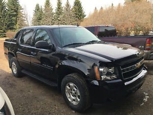 2012 Chevrolet Avalanche LOW kms