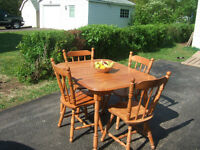 GOOD TABLE AND 4 CHAIR FOR ONLY $72.50