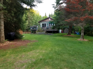 Waterfront  cottage  available  year round