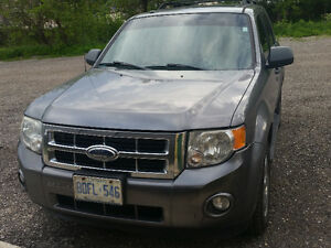 2009 Ford Escape XLT AWD Certified E-tested & buyers package
