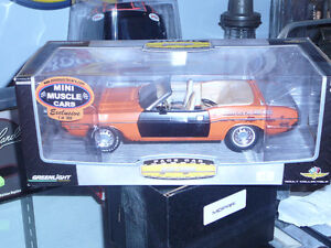 Challenger Pace Car 1/18