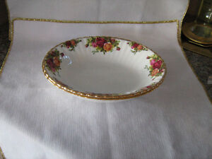 ROYAL ALBERT OLD COUNTRY ROSES - COMPLETER PIECES