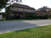 4 Bedroom Townhouse - Central Peterborough
