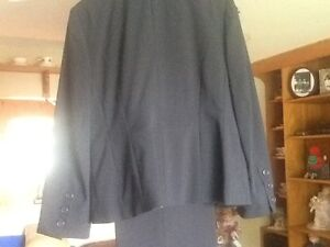 BRAND NEW PANT SUIT OUTFIT Stratford Kitchener Area image 2