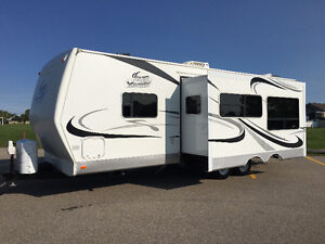 2006 TRAVEL TRAILER, 26 FOOT, LARGE SLIDE, REDUCED TO SELL!!