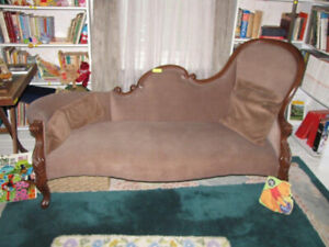 Antique Victorian Settee/ Chaise Lounge