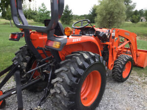 Finishing mower and traktor