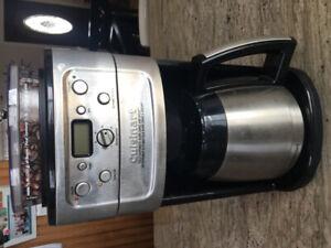 Cafetière cuisinart automatique burr grind & brew