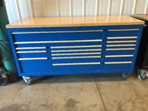 17 DRAWER TOOL BOX