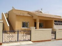 Costa Blanca, 2 bed semi-detached villa, sleeps 4, English TV, South facing from £220 pw (SM103)