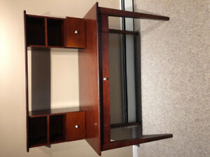Desk - Red oak, good condition $40