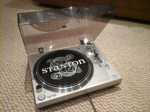 Stanton STR-8 30 Direct Drive Turntable West Island Greater Montréal image 1