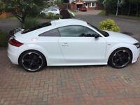 Audi TT Black Edition **Amplified Black**