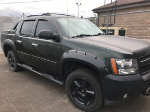 2013 Black Diamond Chevy Avalanche